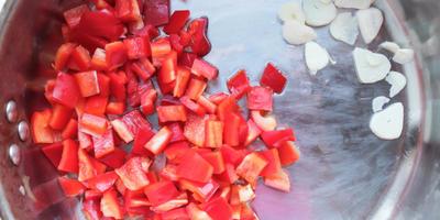 Кальмары по-дальневосточному в нежном томатном соусе
