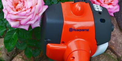 Сборка травокосилки Husqvarna 128R и обкатка двигателя