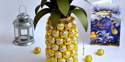 """Как необычно подарить обычное шампанское: новогодний мастер-класс """"Пьяный ананас"""""""