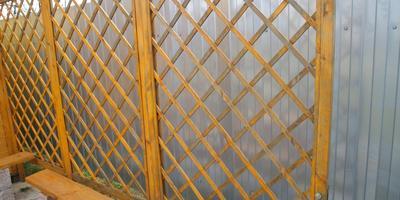 Декоративная деревянная решетка...