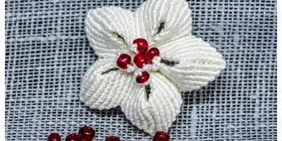 Цветок-брошка в технике макраме