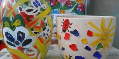 Просто развлекаем деток. Аппликация из яичной скорлупы, роспись красками и декорирование крупами