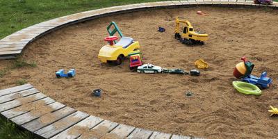 Песочница в саду - креативные решения