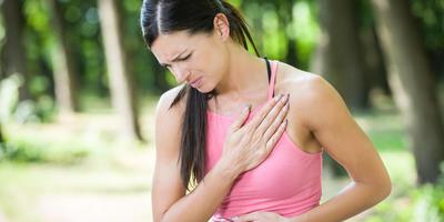 Боли в грудной клетке: первая помощь