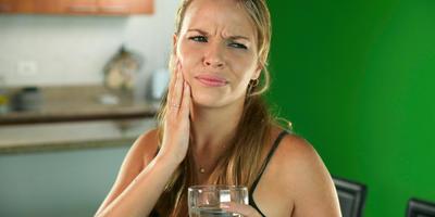 Разболелся зуб на даче: что делать?