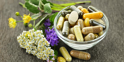Загадка фитоэстрогенов: как травы влияют на наше здоровье
