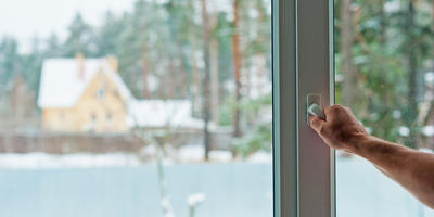 Как установить пластиковые окна в деревянном доме