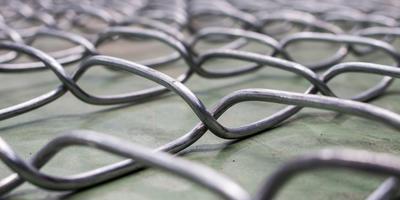 Во сколько обойдется вам забор: рассмотрим разные виды сеток