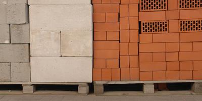 Как за каменной стеной! О заборах из кирпича и камня - натурального и искусственного