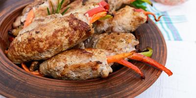 Домашние колбаски: 10 способов приготовления вкуснейшей мясной закуски