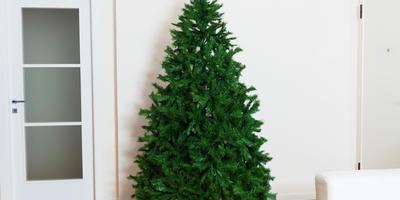 Какие опасности таит искусственная елка?