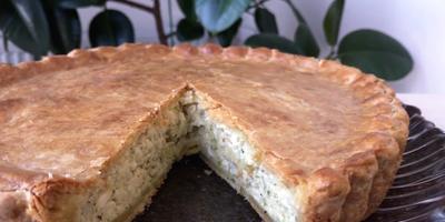 Луковый пирог на песочном тесте: рецепт от Ольги Матвей