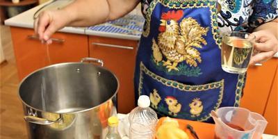 Универсальная заготовка из фасоли с овощами на зиму: рецепт от Юлии Миняевой