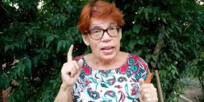 Видео: готовим грядку для клубники, сеем сидерат