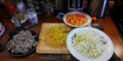 Тушеная капуста (когда нет бекона и томатов)