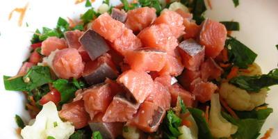 Овощная запеканка с лососем и шпинатом - удивительно нежная и полезная