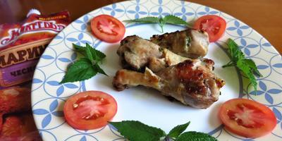 Куриные ножки в чесночном маринаде с лофантом анисовым