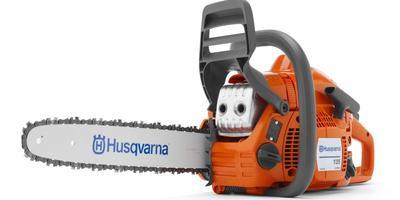 Советы эксперта Husqvarna: топоры и пилы для строительства