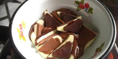 Шоколадые снежинки для декора торта