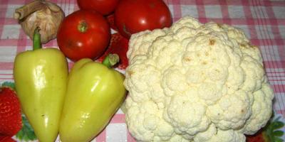 Цветная капуста в овощном соусе