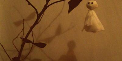 Простой декор на Хэллоуин из подручных материалов