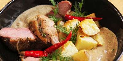Ужин из утиной грудки с картофелем в духовке. И Грибной соус