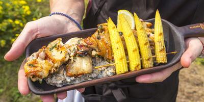 Курица на гриле в Бразильском маринаде. Грибной соус на гарнир и мини-кукуруза