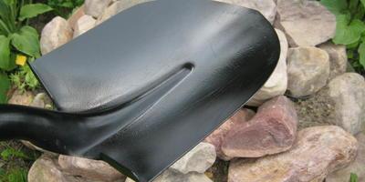Штыковая лопата LUX-TOOLS - незаменимая помощница в саду