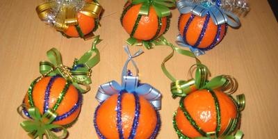 Ёлочные игрушки из мандаринов