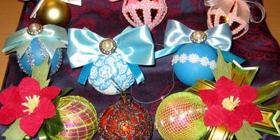 Новогоднее превращение ёлочных шаров из фикс-прайса в авторские работы