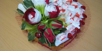 Сердечко из конфет к 14 февраля