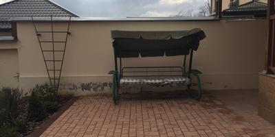 Как можно сделать уютней дворик перед домом