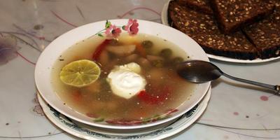 """Суп """"Солянка мясная по-домашнему"""""""