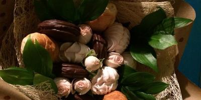 Букет из зефира и роз и Паннакукку (Pannakukku)... :)