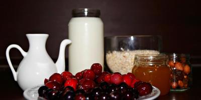 Рецепт вкусного десерта на завтрак с овсянкой