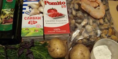 """Креветки и мидии на картофеле """"Пай"""""""