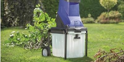Готовимся к дачному сезону с ОБИ: 10 полезных покупок для вашего сада