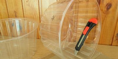 Еще один вариант рассадных горшков - контейнер-решето