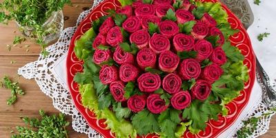 """Салат с блинами """"Букет роз"""""""