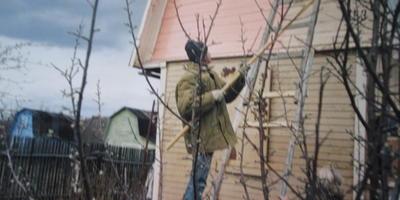 Улучшение внешнего вида дома в 2011 году. Обшивка дома сайдингом. Часть 6