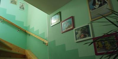 Украшаем лестницу на даче. Будет фотогалерея - и никак иначе!