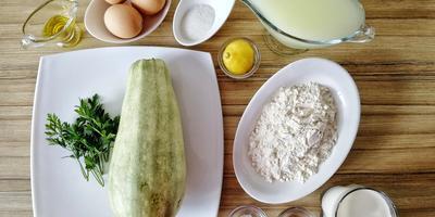 Кабачковые блинчики с сюрпризом: вариант сытного завтрака