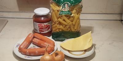 Запеканка с сосисками - простое блюдо на каждый день