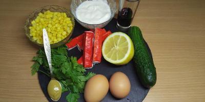 Топ-3 любимые новогодние закуски: крабовый салат без майонеза, селедка под особенной шубкой и идеальный печеночный тортик
