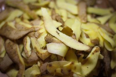 Картофельные очистки - отличное сырье для питательного настоя