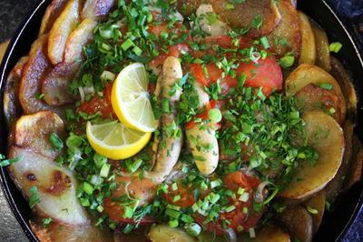 Кефаль, запеченная с картофелем и луком - пошаговый рецепт приготовления с фото