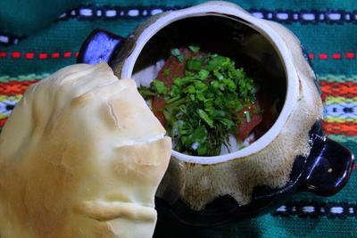 Пельмени, запеченные в горшочках с печенью и сметанным соусом. Пошаговый рецепт приготовления с фото