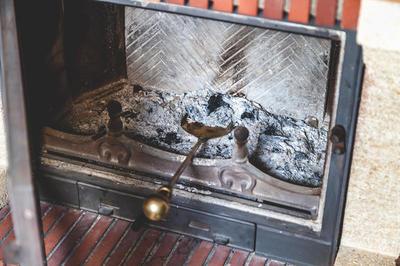 Зола - балластные минеральные вещества, не способных гореть