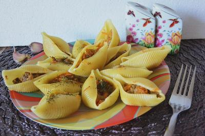 Большие ракушки, фаршированные тыквой и фаршем - пошаговый рецепт приготовления с фото