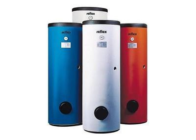 Напольные водонагреватели. Фото с сайта hypermart.alloy.ru